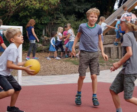 SteinMalEins_Ballspiel in der Freizeit