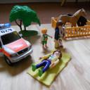 Eine Aufstellung mit Playmobilfiguren.
