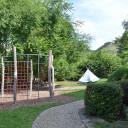 Der Gartenbereich auf dem Schulhof in Lobeda.